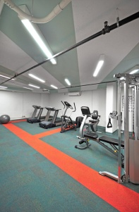 Dynamic colour and lighting add energy to the gym.